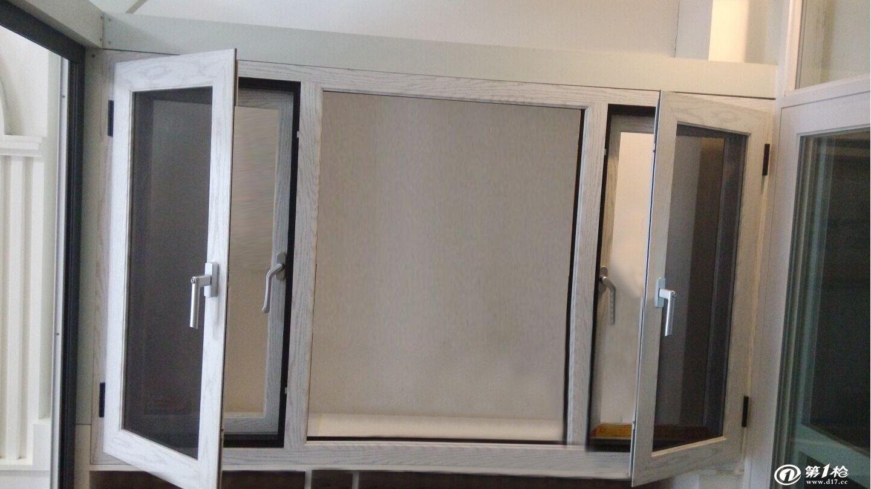 断桥别墅门窗  产品优 点  1,降低热量传导:采用隔热断桥铝合金型材