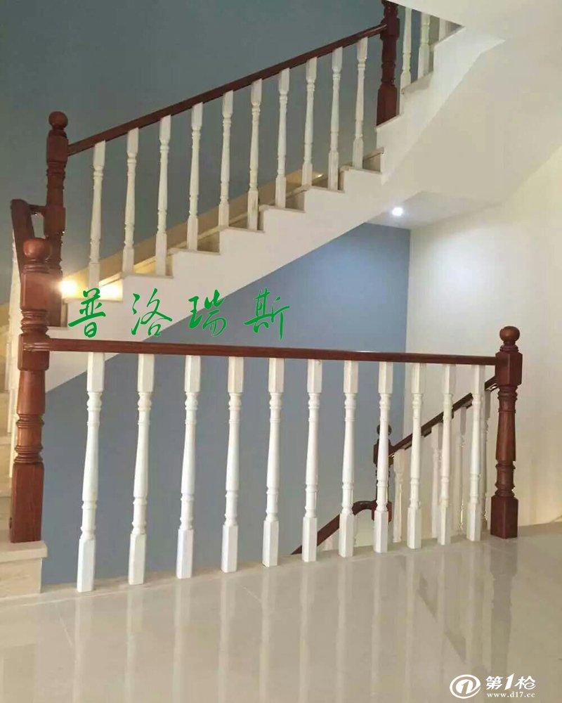 实木楼梯安全实用 楼梯在保证安全的前提下,最大功能就是行走,根据人体工程学理论,在确定楼梯坡度时,首先要考虑行走舒适、攀登效率及三维状态,坡度越陡舒适度越差,坡度一般取值在20-45之间,踏步一般与人脚尺寸、步幅相适应。 A:起首看楼梯有没有水泥底子,有水泥底子的只做扶手柱子踏板立板就可以了,没有水泥底子就要做支架了。支架分木制布局的和钢木布局的,一样通常的直梯作木制布局的较多,弧梯和较大较宽的楼梯作钢木联合的较多,钢木联合的一样通常内含钢板,如许宁静性才有包管。 B: 柱子和踏板,柱子和扶手,每段扶手