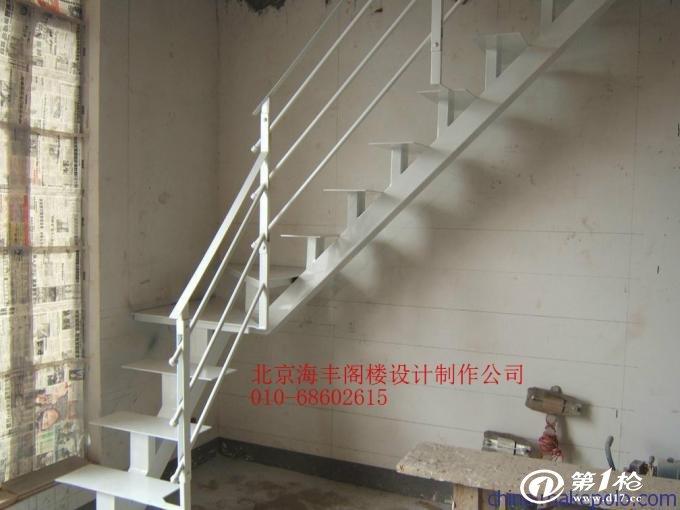 供应特色阁楼 纤维压力板钢结构阁楼设计 别墅室内楼梯制作