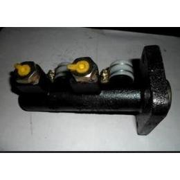 液压制动总泵