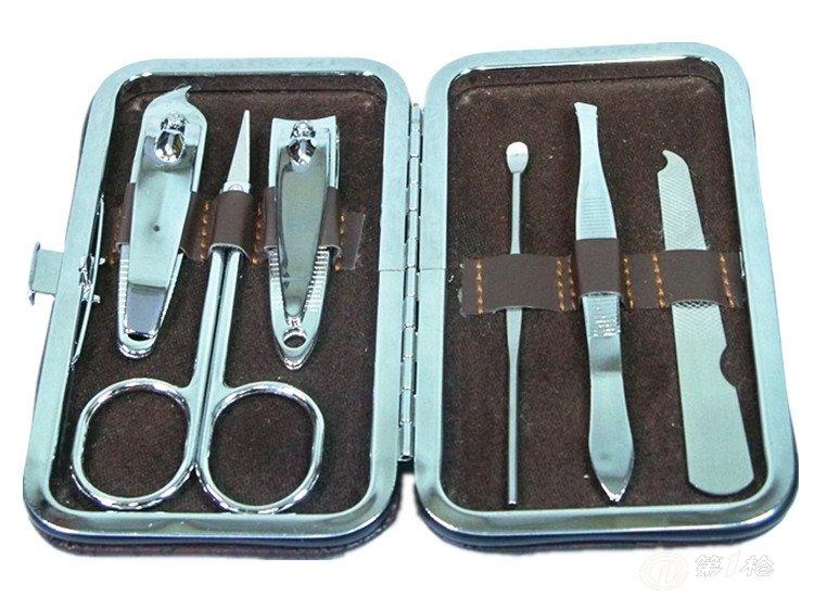 指甲钳指甲剪套装 指甲套装   1:耳挖设计光滑圆整的耳勺,使用起来