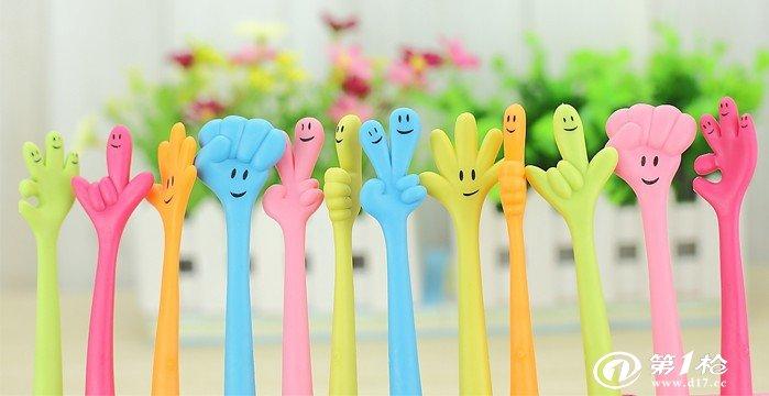韩国款创意文具批发 卡通随意弯曲笔圆珠笔 可爱手指笔手势笔
