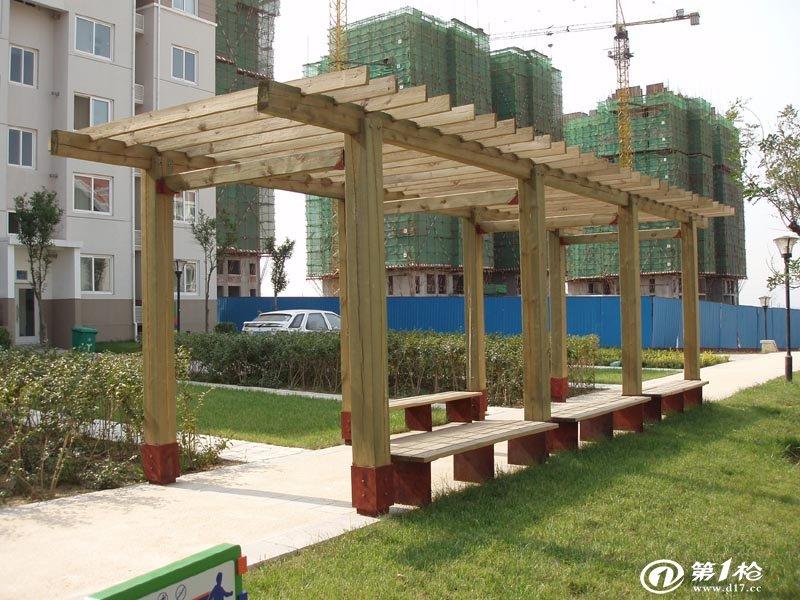 花架是采用钢性结构形成的一种为植物攀爬做贡献的园林设施,它
