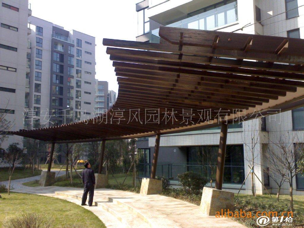 杭州千岛湖低价供应定做各种规格防腐木门