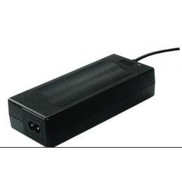 供应12.6V 5A CE FCC认证锂电池充电器