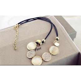 韩国时尚锁骨项链 猫眼石短款项链 交叉镶钻项链 皮绳紧链
