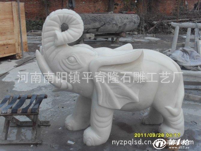 供应汉白玉晚霞红,石雕工艺品马,牛,羊动物等