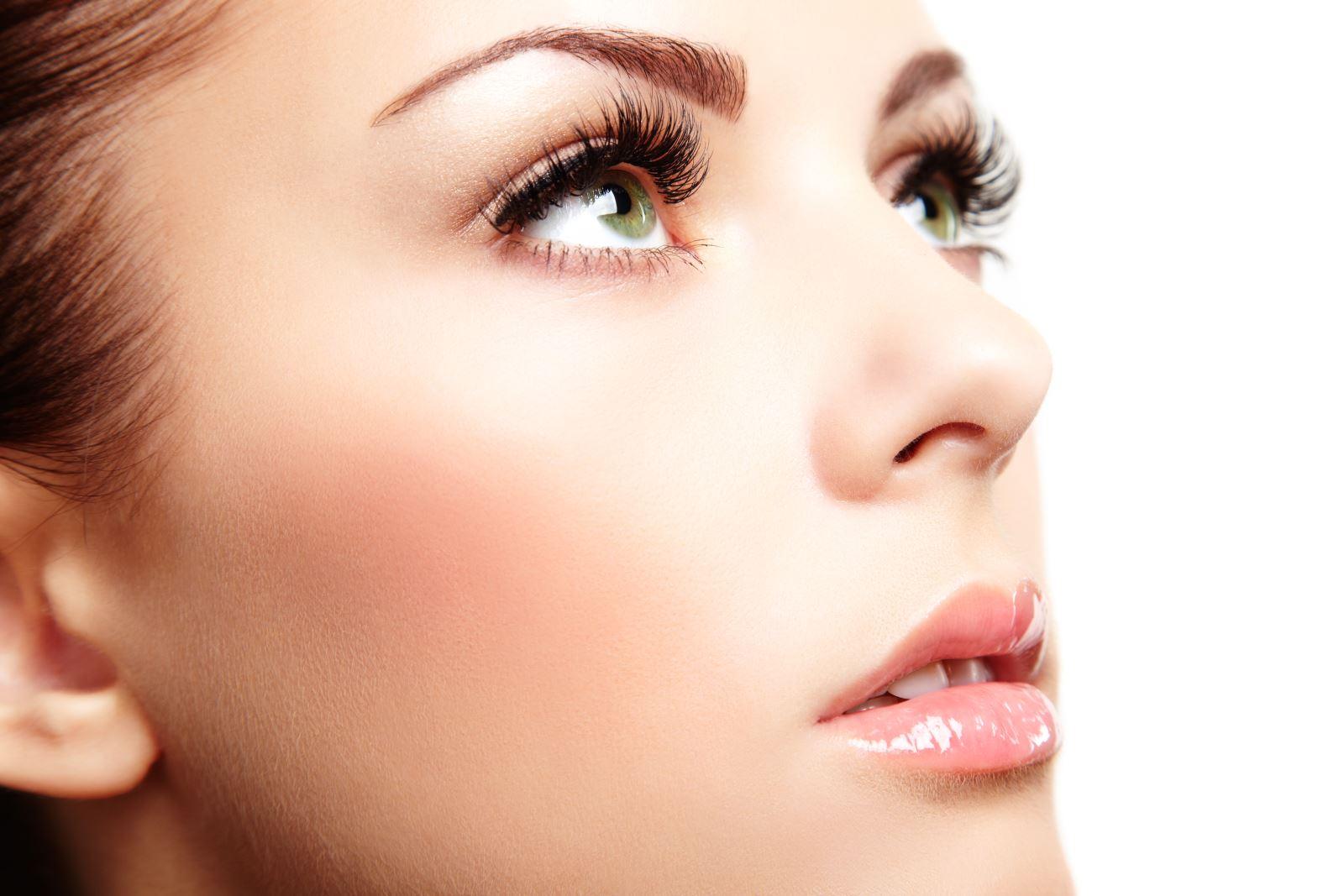 睫毛夹正确使用的方法