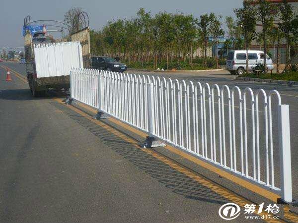 交通护栏的安装规范