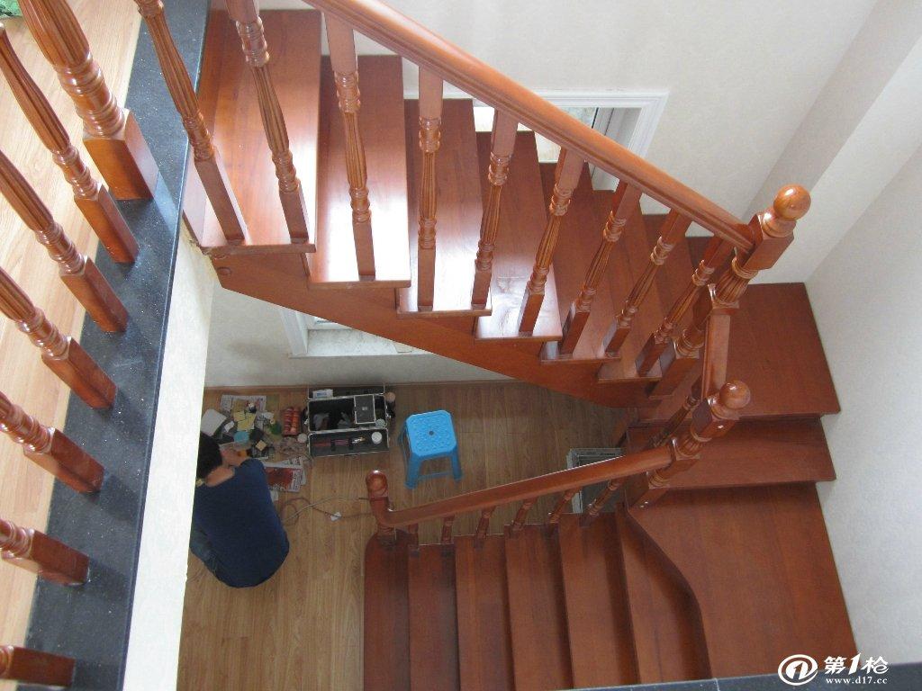 不同环境楼梯扶手怎么选择