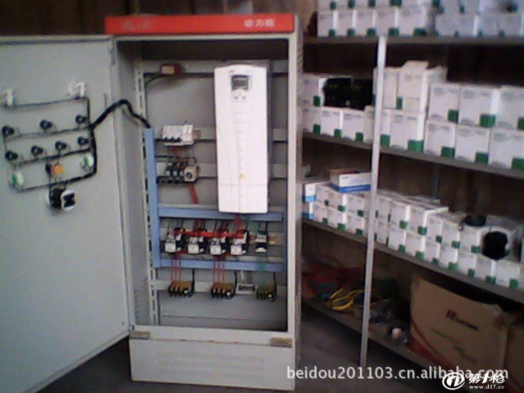 一拖二恒压变频供水控制柜