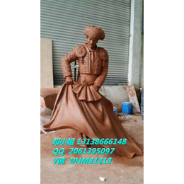 铸铜逗牛士圆雕像角斗士树脂彩绘西班牙抖牛勇士玻璃钢卡通雕塑