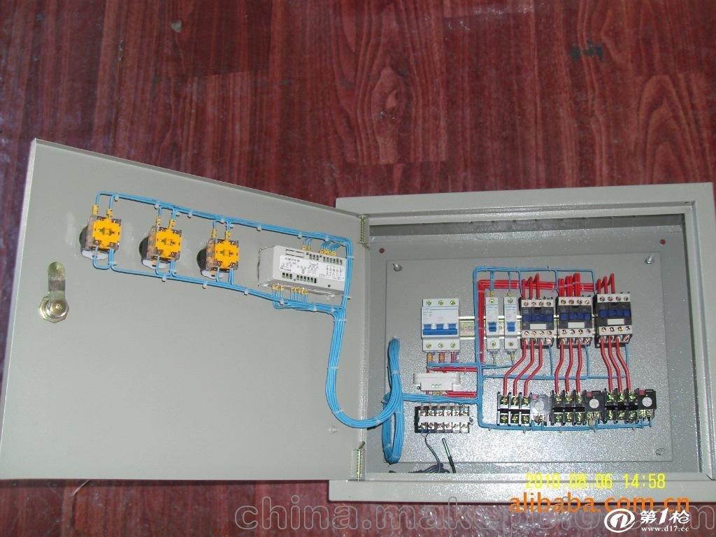 多功能电流变送器,可定制各种电流变送器        沈阳市大东区清龙电子设备厂是温度控制(调节)器、温控器、控制器等产品专业生产厂,公司总部设在沈阳市大东区,沈阳市大东区清龙电子设备厂拥有完整、科学的质量管理体系。沈阳市大东区清龙电子设备厂的诚信、实力和产品质量获得业界的认可。欢迎各界朋友莅临沈阳市大东区清龙电子设备厂参观、指导和业务洽谈。 沈阳市大东区清龙电子设备厂,主要致力于自动化控制系统、智能仪器仪表的研发与生产。 我厂从成立至今,一直致力于与企业配套的控制器研发与生产。主要以OEM生产方式进行开
