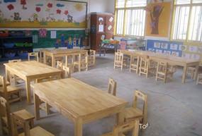 幼儿园课桌