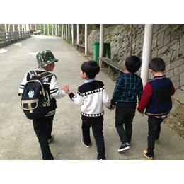 福建小海豚康复中心_福州自闭症康复学校_福州自闭症