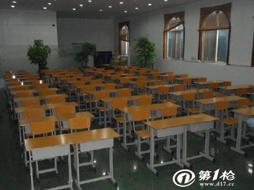 学生课桌椅批发厂家