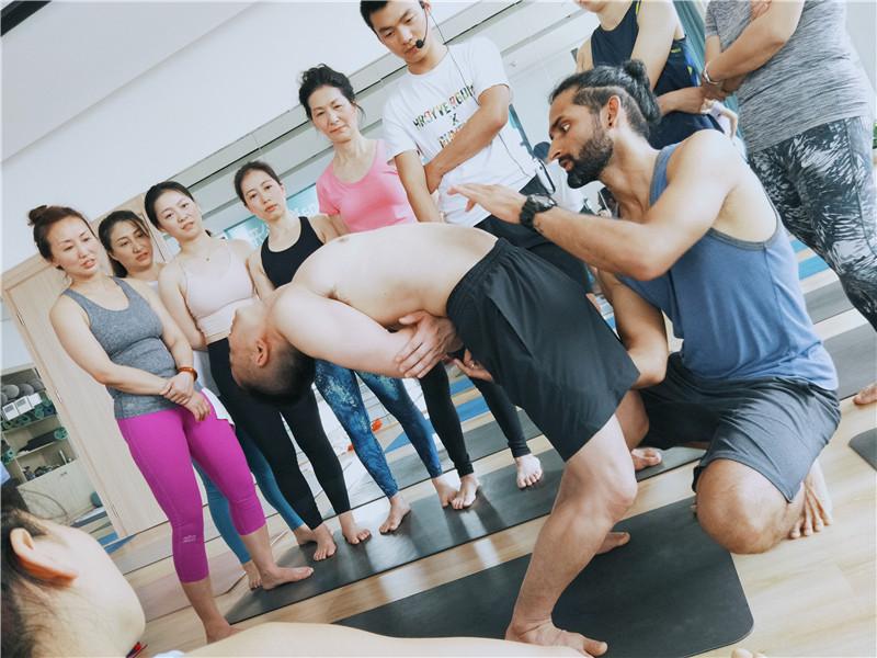瑜伽名师工作坊
