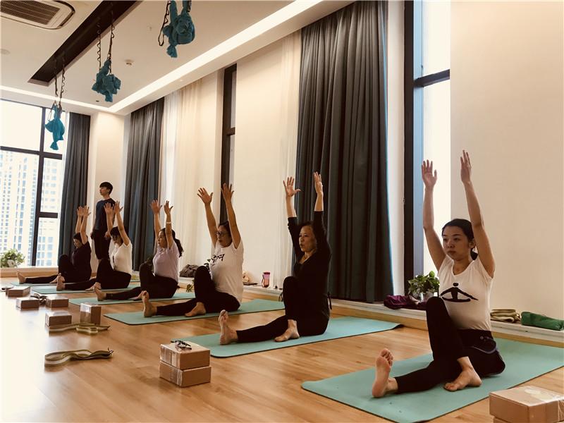 瑜伽特色小班