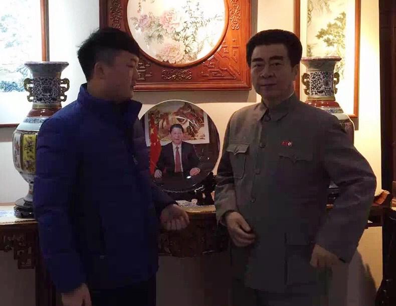 景盛瓷业总经理和周恩来总理扮演者张江山老师合影