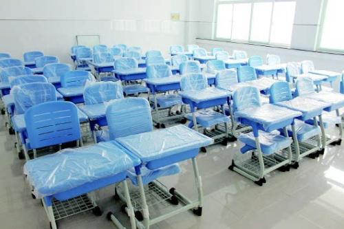 學校課桌椅的分類
