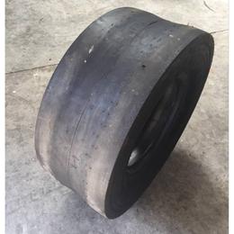 供应鲁飞14 70-20胶轮压路机轮胎 光面C-1 三包