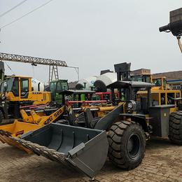 铁矿萤石矿用的小铲车矿用装载机体积小动力足铲重2吨的矿用铲车