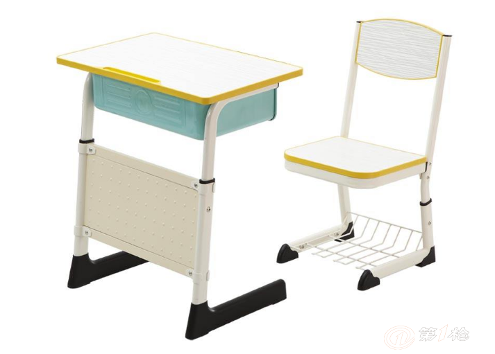 家长呼吁:课桌椅厂家也该与时俱进