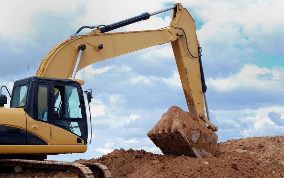 挖掘机主泵的保养操作
