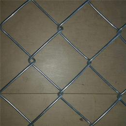亚奇防护勾花网养殖围栏勾花网现货镀锌勾花圈地网