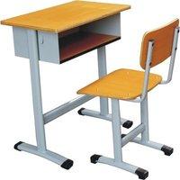 教室课桌椅是你成长的伴侣