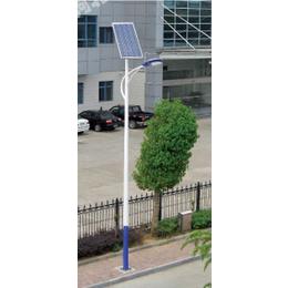 青铜峡太阳能路灯对比图片锂电LED路灯安装厂家
