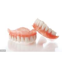 清洗活动式假牙,牙膏、热水都不行!这6大错误行为别犯