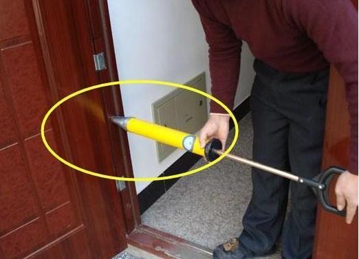 防盗门要不要灌浆?