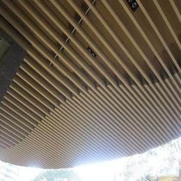 酒店大堂入口吊顶铝方通 木纹铝方通 木纹铝格栅