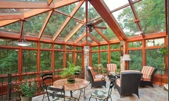 阳光房里摆什么家具比较好?