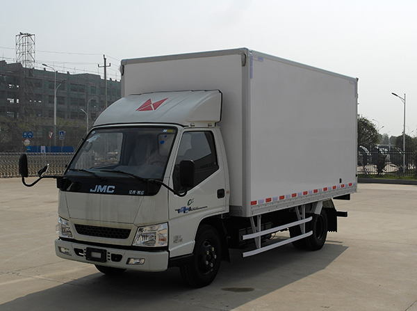 新顺达万博官网网页版彩钢板厢式运输车