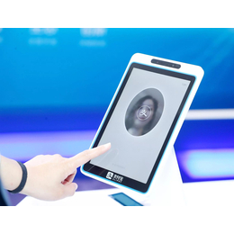 刷脸设备之所以有屏让支付有了更多的可能