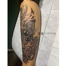 男生黑灰传统纹身缩略图