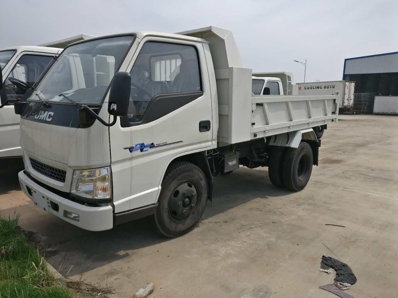 Yabo24新顺达2800轴距单排自卸汽车