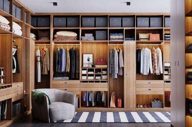 家里打造衣柜还用免漆板?