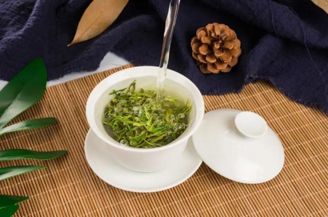 白瓷茶具适合冲泡什么茶?