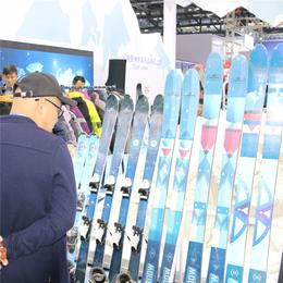 初学者如何选择滑雪单双板 国产品牌雪板板型选择厂家